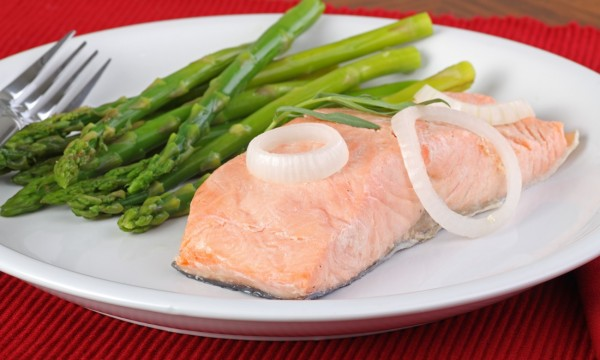 Delicious ways to poach and garnish a fish smart tips for How to poach fish