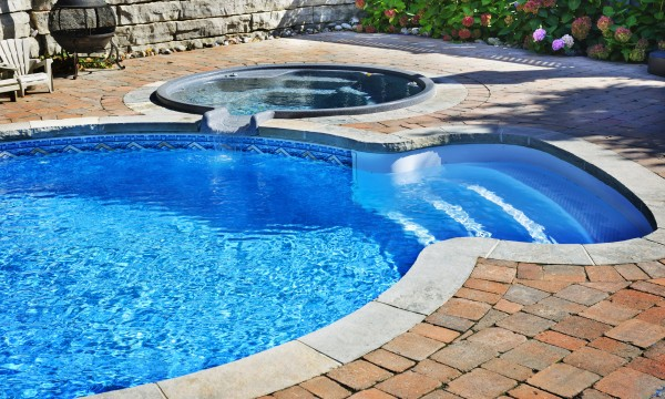 Tips for maintaining a swimming pool
