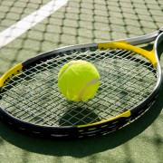 How to choose the right tennis racket string
