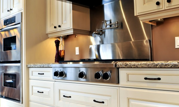 Renovate your kitchen cabinets at a low cost | Smart Tips