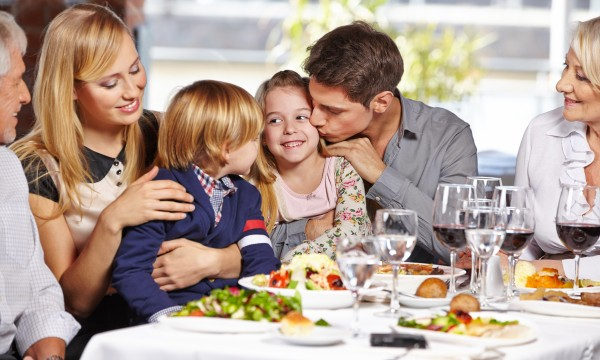 9 tips for making healthy choices at restaurants