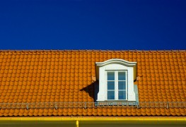 Tips for maintaining roof flashing