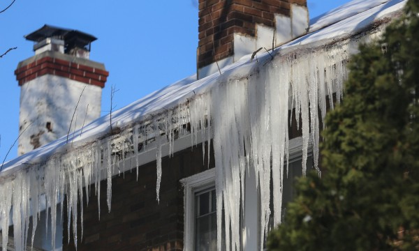 3 ways you can prevent roofing ice dams from damaging your roof