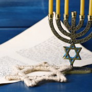 Decorating tips for the perfect Hanukkah dinner party