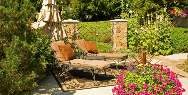 4 patio accessories to enhance outdoor entertaining