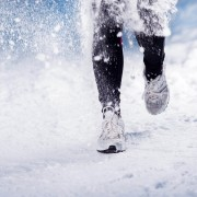 8 essential pieces of gear for outdoor winter running