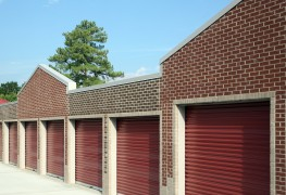 8 reasons to use a self-storage service