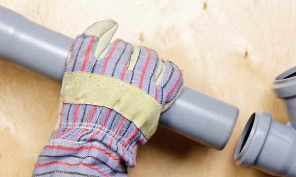 3 signs your sewer pipes need to be cleared