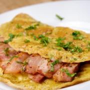 Breakfast recipes: super silky scrambled eggs and Sicilian omelet