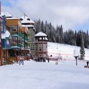 Simple tips for planning ski and snowboard lessons for your child