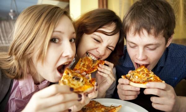 4 smart leftover pizza reheating methods