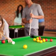 Easy Steps to Playing Pool and Snooker
