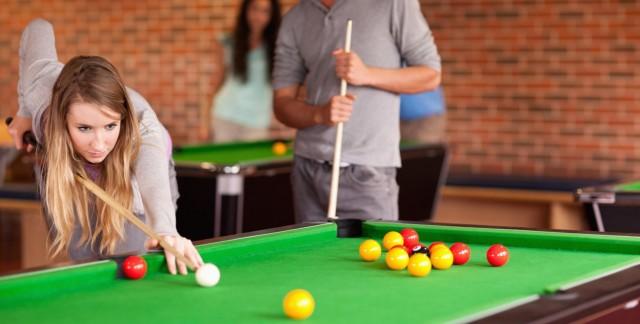 Što biste radili s osobom iznad, prikaži slikom - Page 14 Snooker-1443347352-640x324