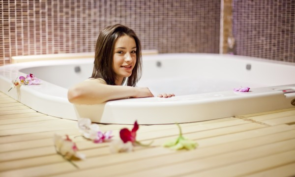 Helpful Guide To Keeping Your Spa Or Whirlpool Bathtub Clean