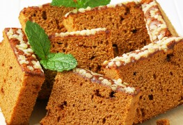 2 homemade cake recipes: spice and chocolate