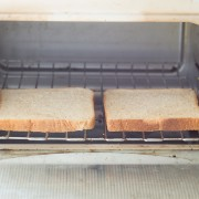 8 easy tips for cleaning toasters & toaster ovens