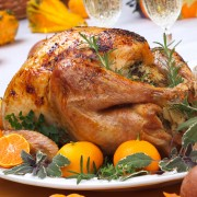 5 tips on hosting a large Thanksgiving dinner