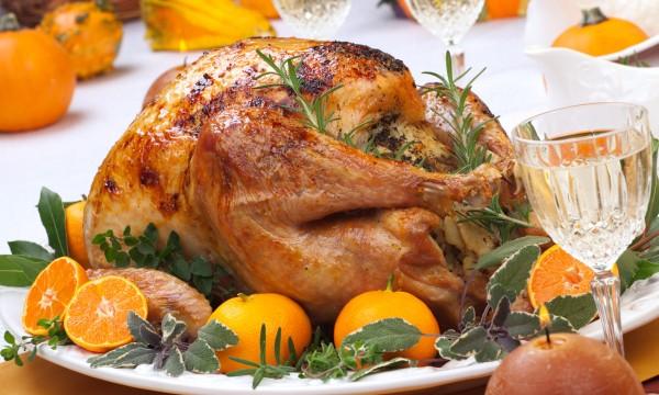 5 tips on hosting a large Thanksgiving dinner