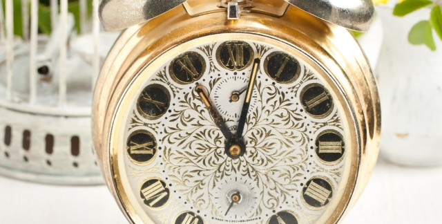 How to maintain an antique clock