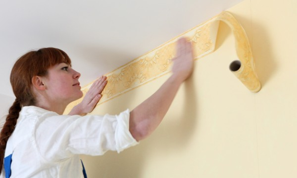 Tips to hang wallpaper inexpensively