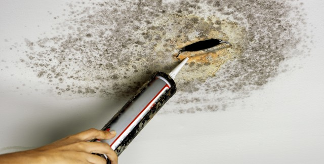 Workable solutions for cleaning water stains