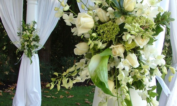 Do it yourself wedding decor how to create a beautiful event do it yourself wedding decor how to create a beautiful event solutioingenieria Images