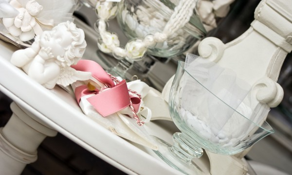 How to make memorable wedding favours that impress