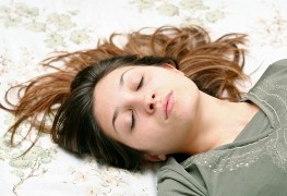 Foods that affect sleep: diet do's and don'ts