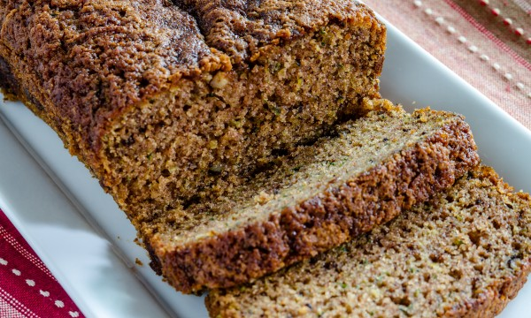 Bake your own flavoured bread: homemade corn, zucchini and cheese