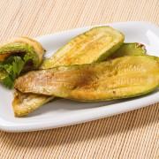 Savoury side dish: homemade zucchini strips