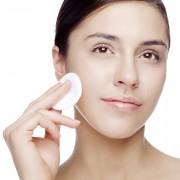 Nettoyant pour le visage : quelques astuces pour faire peau neuve