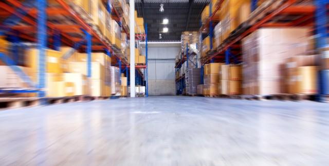 Quelles sont les restrictions d'un entrepôt libre-service?
