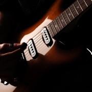 6 accessoiresessentiels à avoir absolument pour jouer de la guitare électrique