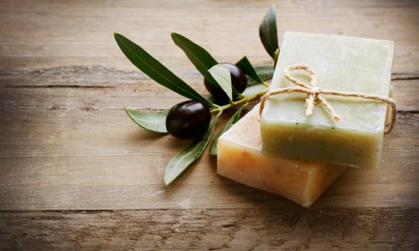 2 recettes de savons et gels aux huiles essentielles