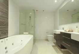 Rénovation de la salle de bain : bain ou douche?