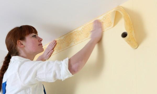Comment poser dupapier peint en 5 étapes simples