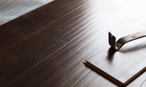 5 façons faciles d'installer un plancher vous-même