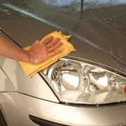 4 trucs pour nettoyer votre voiture de façon écologique et pratique