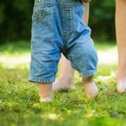 Conseils simples pour aider votre bébé à apprendre à marcher