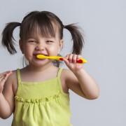 Conseils pour prendre soin des dents de lait de votre bébé