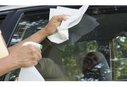 Trucs pratiques : concevoir votre propre nettoyant et nettoyer vos vitres de voiture