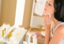 Nettoyage pour chaque type de peau: trucs naturels