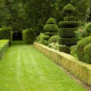 2 idées de jardins : à la française et à l'anglaise