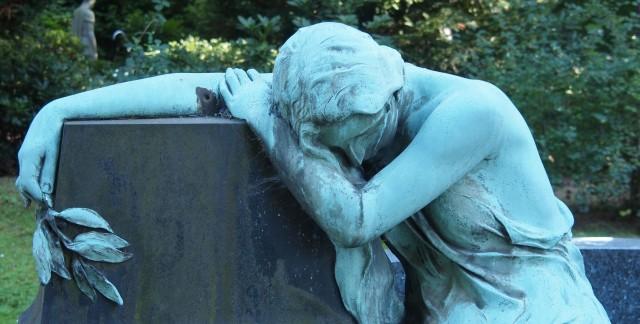 Que dois-je savoir au sujet des préarrangements funéraires?