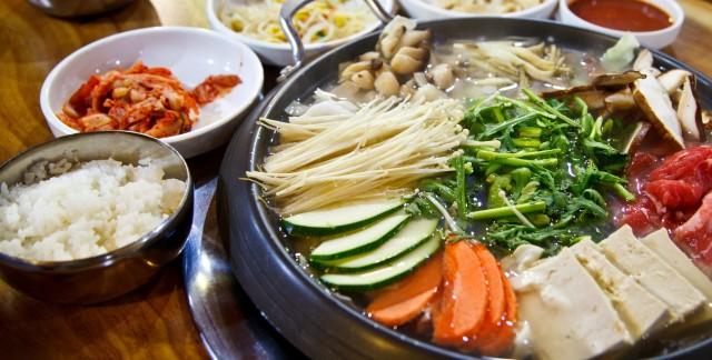 Concocter une délicieuse fondue chinoise aux nouilles