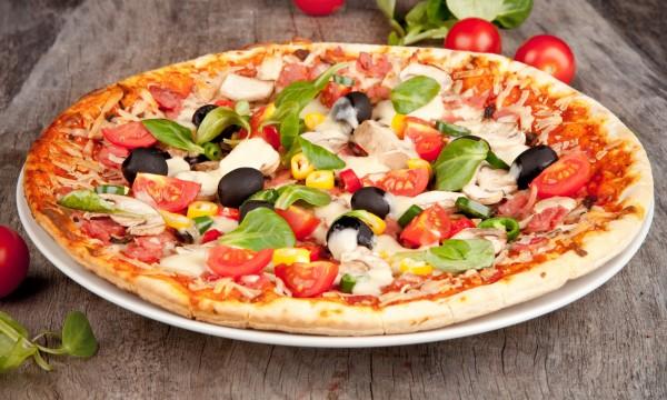 Recette de pizza aux champignons et aux herbes
