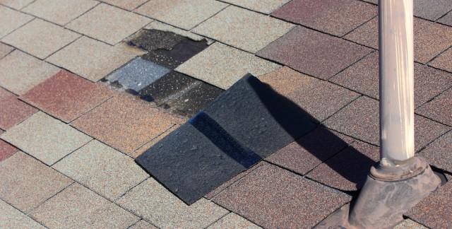 Comment inspecter votre toit en trois étapes faciles?