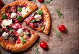 Recette de pizza toute garnie avec pâte faite maison