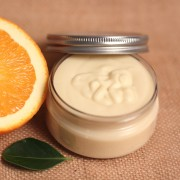 Beurre de karité pour le corps : vertus et recette facile