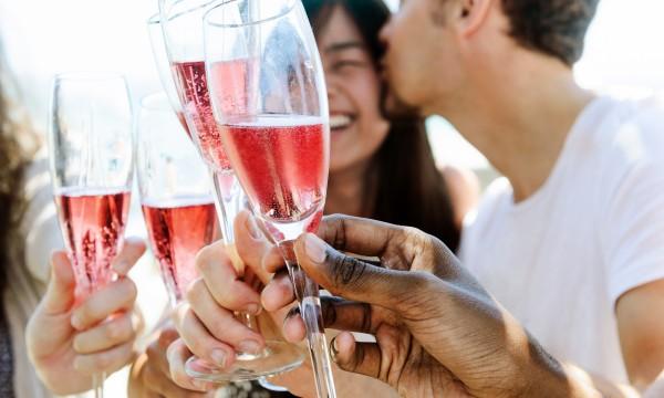 Conseils pour organiser unefête de fiançailles parfaite